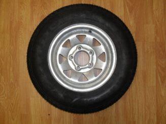 tire and wheel assemblies